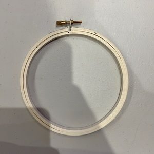 ADD ON ITEM 5 in / 12.7 cm Embroidery hoop